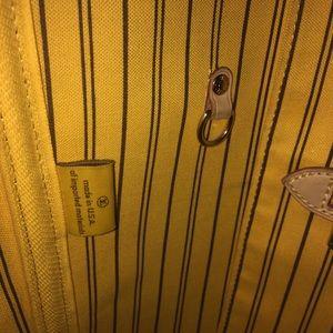 Louis Vuitton Bags - AUTHENTIC LOUIS VUITTON MONOGRAM Neverfull MM